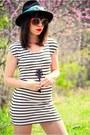 Black-striped-asos-dress-dark-gray-cowboy-vintage-hat-sky-blue-elephant-prin