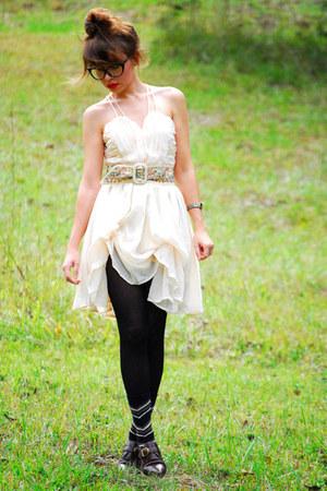 cateye glasses - eggshell ballerina dress