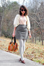 Dark-brown-kilty-vintage-shoes-heather-gray-polka-dot-tights-tawny-vintage-b