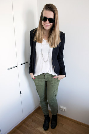 forest green Aeropostale pants - black H&M blazer