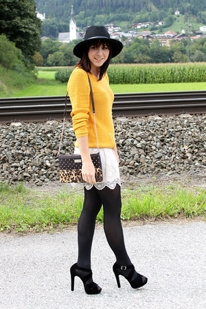 yellow Takko jumper