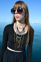 Top Shop necklace - black Top Shop shirt - black high-waisted skirt