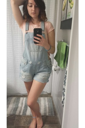 sky blue denim overalls Ardene romper - light pink cropped basic t-shirt