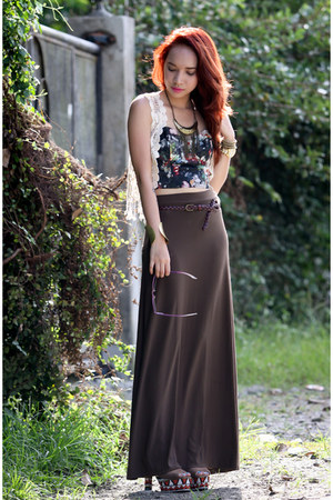 brown skirt - white crochet vest
