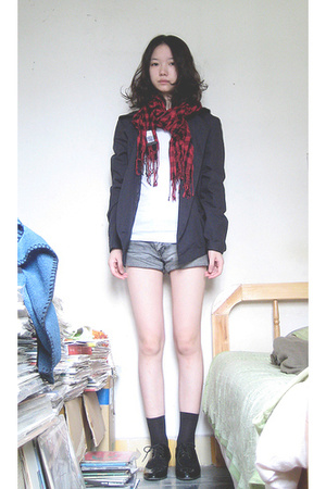 UO jacket - Topshop scarf - H&M shorts - vintage shoes
