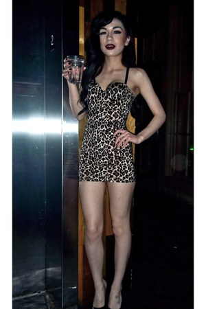 black patent Steve Madden shoes - leopard Victorias Secret dress