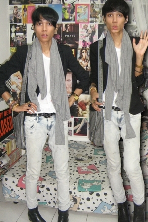 Zara blazer - Forever21 top - Zara jeans - vintagedad closet boots - Zara scarf