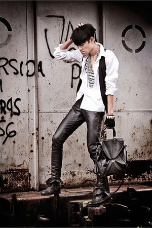 black combat boots Forever21 boots - white Zara shirt - black satchel bag