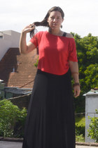 long black old dress - red cotton t-shirt