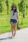 Cubus-shorts-zara-sweatshirt-reserved-sandals