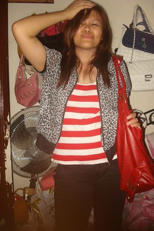 black Options blazer - red Kamiseta shirt - black jeans - black Parisian shoes -