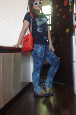 blue red girl top - blue Mudd pants - blue bought at a bazaar shoes - red bought