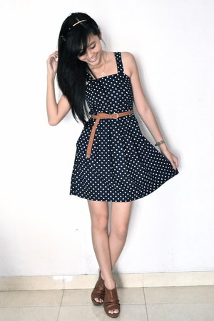 polkadot Thrift Store dress - brown Forever 21 heels