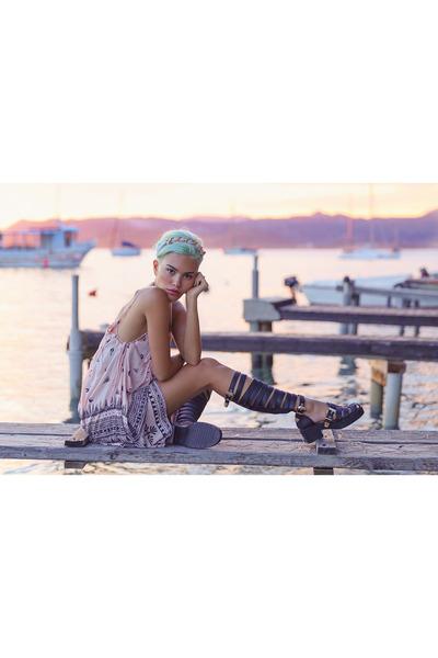light pink eva dress Gentle Fawn dress - black Linzi shoes sandals
