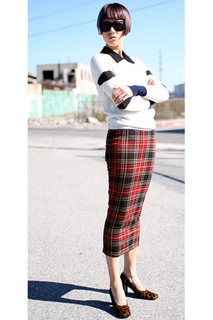 brick red asos skirt - off white gryphon sweater - black Derek Lam sunglasses