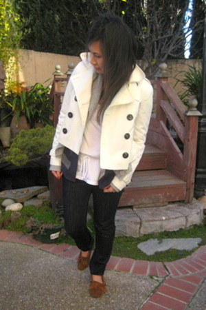 moccasin Minnetonka loafers - Gap jeans - white peacoat H&M jacket