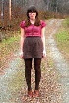 maroon thrifted blouse - dark brown vintage skirt - brown seychelles shoes - bla