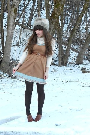 light brown dress - ivory faux-fur H&amp;M hat - cream thrifted LLBean sweater