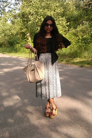 floral thrifted skirt - black Express blazer - cream rosetti bag