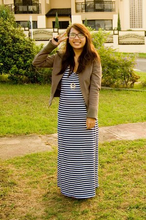 maxi dress bargain dress - brown wish jacket - gold diva necklace - navy Trussar