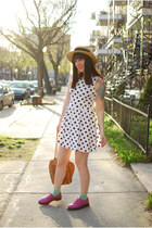 light brown vintage hat - white H&M dress - tawny vintage bag