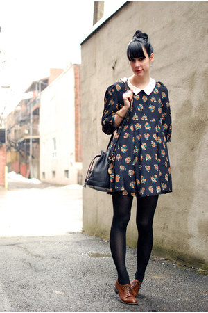 dark brown vintage shoes - navy Lilo dress - black vintage bag