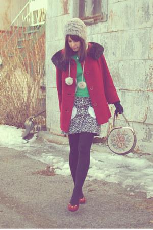 maroon vintage coat - heather gray Rudsack hat - beige vintage purse