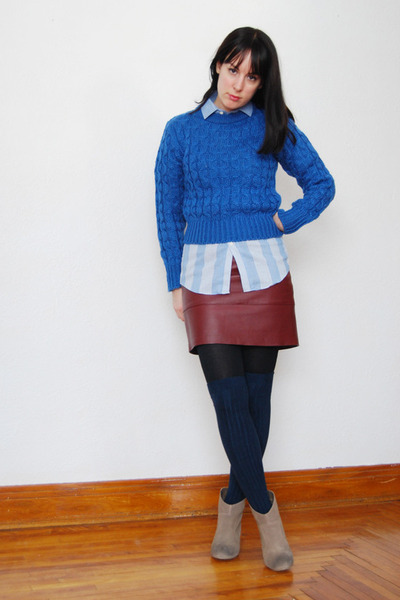 blue cable knit vintage sweater - camel Urban Outfitters boots