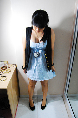 zipia dress - Forever21 vest - Zara shoes