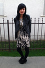 Black-jacket-white-dress-black-shoes