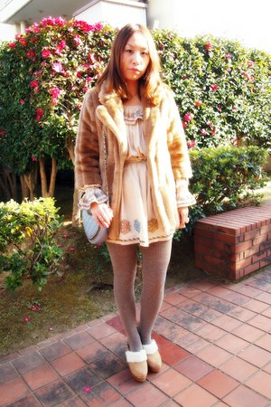 beige nadesico dress - camel fur coat lilly brown coat