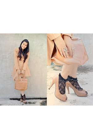light orange Taqisha pumps - light orange tailored blazer - orange Ripcurl bag
