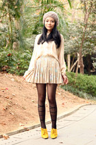 black Tutuanna tights - beige lowrys farm hat - nude Monki shirt