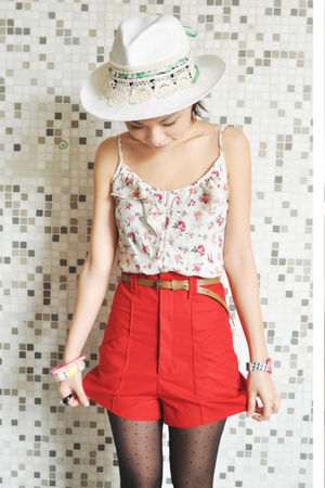 red Zara shorts - white Sinequanone hat - brown vintage belt
