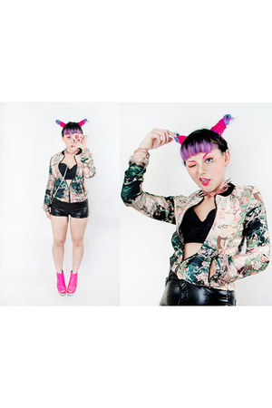 black H&M shorts - light pink Sheinside jacket - black Forever21 top