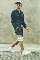 blue cotton v-neck H&M shirt - white high top creative recreation shoes