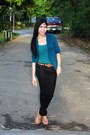 Forest-green-top-navy-blue-cardigan-black-pants