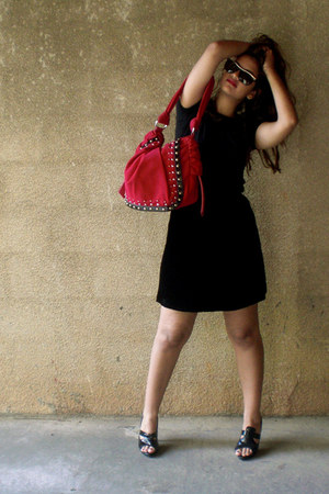 black cotton shirt - ruby red velvet Complot purse - black velvet skirt