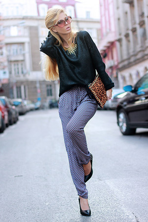 black sweater - bronze accessories - violet pants - black heels