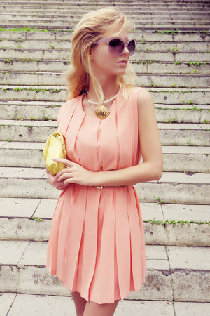 peach Queens Wardrobe dress - light yellow bag - tan belt - gold flats