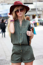forest green romper - crimson hat - brown bag - black sandals