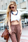 Dark-brown-bag-brown-pants-ivory-t-shirt