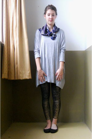 gray H&M shirt - gold leggings - black Target shoes - blue scarf