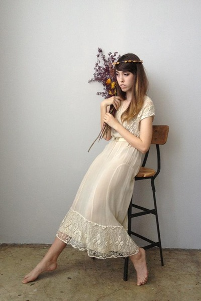 eggshell vintage dress
