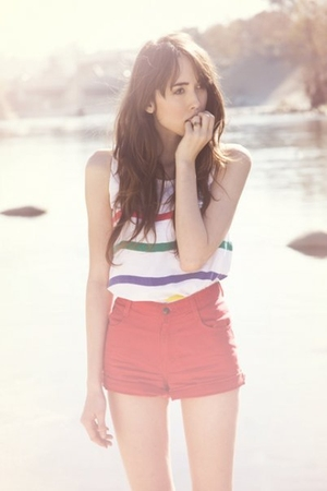 white shirt - red shorts