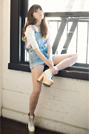 white pastel vintage shirt - white laceups Deandri boots